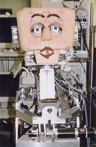 情動表出ロボット『WE-3RV』。触覚・視角・嗅覚センサーなどからの外部環境情報によって、顔色や眉・唇・瞼を変化させ、「喜び」「怒り」「驚き」などの感情を表現する