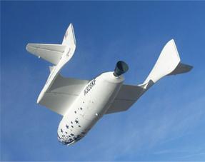 2年前に民間宇宙船スペースシップ・ワン号が100kmの地球の縁(へり)飛行に成功した。宇宙観光旅行が誰でもできる時代がグンと近付いた<出典:Scaled Composite>