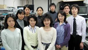 真行寺研究室メンバーと〈資料提供:真行寺千佳子氏〉