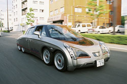 走行中の「エリーカ」。電気自動車では世界最速となる、370kmのスピードを持つ<写真提供:清水 浩氏>
