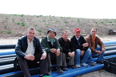 トルコのスタッフ達と。左から2番目が福原氏<写真提供:福原成雄氏>