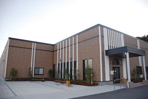 新設された「先進医工学センター」。同センターは文部科学省「平成20年度私立大学戦略的研究基盤形成支援事業」の拠点で、産学連携による先進的な研究が行なわれている