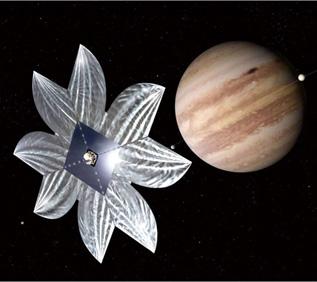 今後は「イカロス」の10倍の面積の「ソーラー電力セイル」に「イオンエンジン」を組み合せた木星探査機の打ち上げを計画している<写真提供:JAXA>