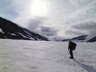 北極圏にある「スピッツベルゲン島」の様子。北極海の氷の下には、たくさんの鉱物資源があるとされている<写真提供:長沼 毅氏>