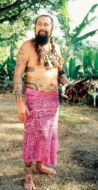 ポリネシア人は元々、大柄で筋骨隆々とした体形だったが、現在はお腹が大きい人が多い<写真提供:片山一道氏>